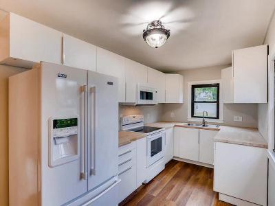 Scott County Single Family Home For Sale: 706 Fuller Street S