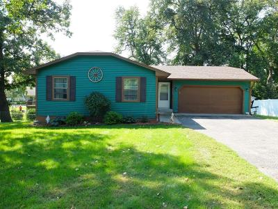 Rockford Single Family Home For Sale: 8760 Woodlawn Drive