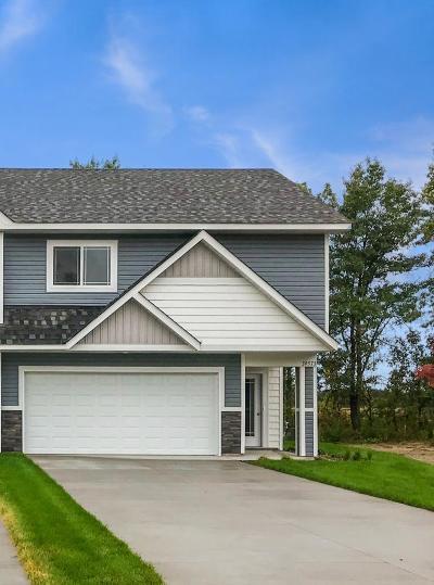 North Branch Condo/Townhouse For Sale: 39573 Oak Park Trail