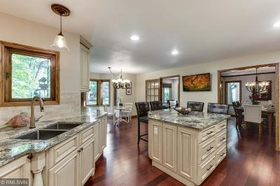Chaska Single Family Home For Sale: 3115 Autumn Woods Drive