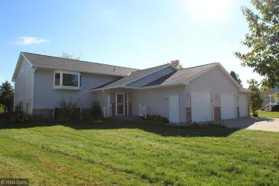 Hutchinson Single Family Home Contingent: 1329 Birdie Court NW