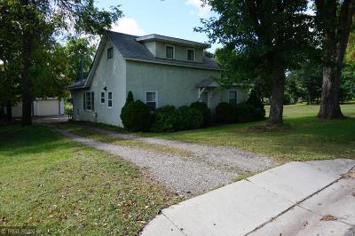 Anoka Single Family Home Contingent: 624 Benton Street