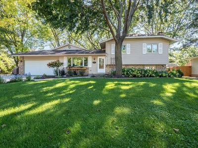 Lakeville MN Single Family Home Contingent: $309,900