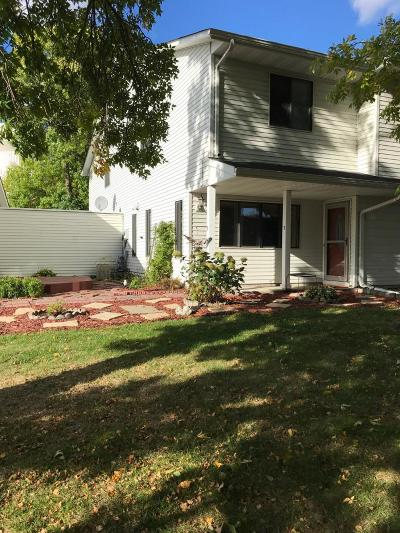 Maple Grove Condo/Townhouse Contingent: 9417 Ranchview Lane N