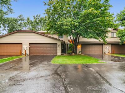 Condo/Townhouse Sold: 618 Clover Leaf Parkway NE