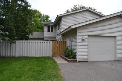 Shoreview Condo/Townhouse For Sale: 982 Carmel Court #982