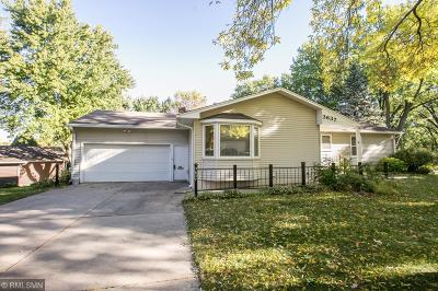 Minnetonka Single Family Home Contingent: 3637 Woody Lane