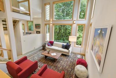 Bloomington Single Family Home For Sale: 7661 Bush Lake Drive