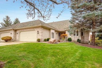 Eden Prairie Condo/Townhouse For Sale: 10397 Fawns Way