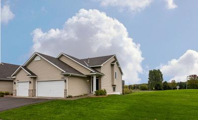 Rogers Condo/Townhouse Contingent: 21548 Evergreen Trail