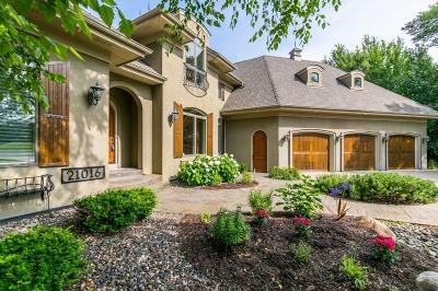 Lakeville Single Family Home For Sale: 21016 France Boulevard