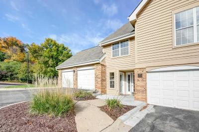 Minnetonka Condo/Townhouse For Sale: 6165 Chasewood Parkway #1
