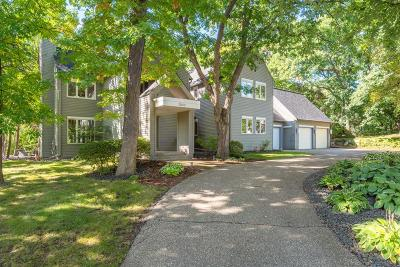 Minnetonka Single Family Home For Sale: 2550 Crescent Ridge Road