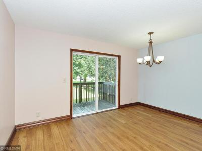Brooklyn Park Condo/Townhouse For Sale: 5668 Brookdale Drive N