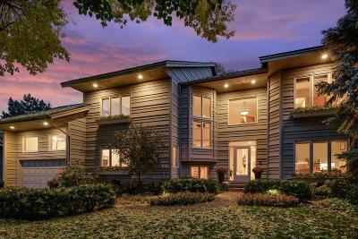 Burnsville Single Family Home For Sale: 14924 Summit Oaks Circle
