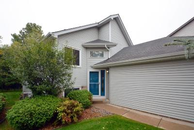 Shoreview Condo/Townhouse For Sale: 5740 Willow Trail