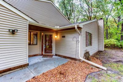 Circle Pines Condo/Townhouse Contingent: 102e South Drive