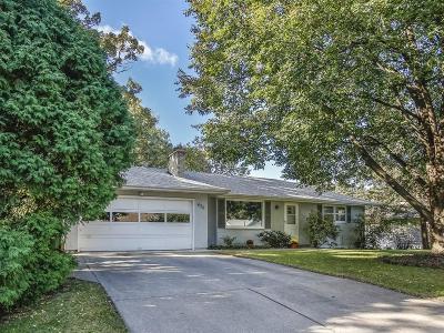 Roseville Single Family Home For Sale: 430 Crescent Lane