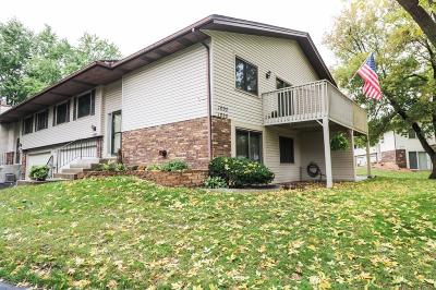 Shoreview Condo/Townhouse For Sale: 1090 Churchill Place