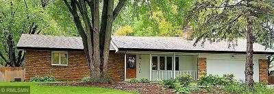 Burnsville Single Family Home For Sale: 13216 Birchwood Lane