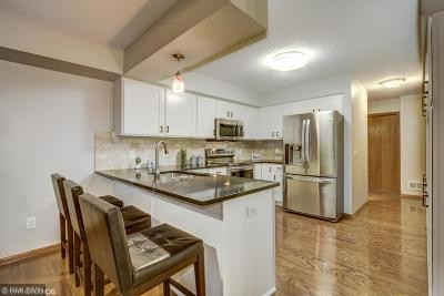 Eden Prairie Condo/Townhouse For Sale: 16506 Ellerdale Lane