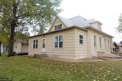 Hutchinson Single Family Home For Sale: 257 Gauger Street NE