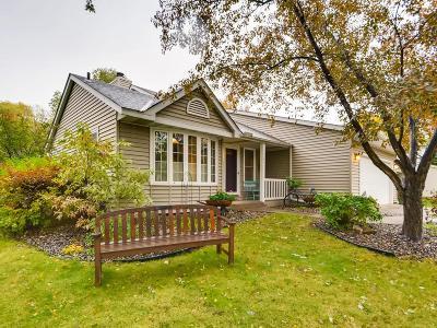 Carver, Eden Prairie, Chanhassen, Chaska Single Family Home For Sale: 6522 Gray Fox Curve