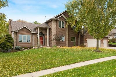 Chaska Single Family Home For Sale: 675 Woodridge Drive N