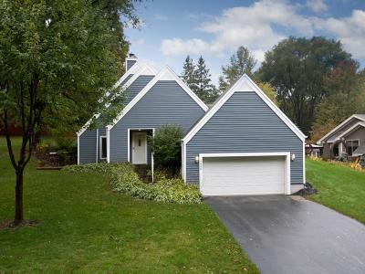 Eden Prairie, Carver, Chaska, Chanhassen Single Family Home For Sale: 9540 Creek Knoll Road