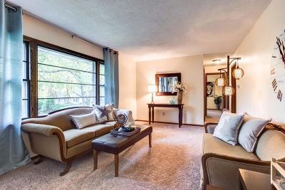 Roseville Single Family Home For Sale: 648 Eldridge Avenue W