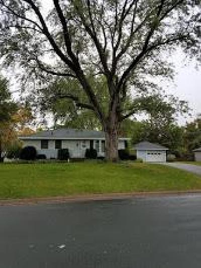 Brooklyn Park Single Family Home Contingent: 7709 Aster Drive