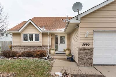 Saint Bonifacius Single Family Home For Sale: 8690 Trista Lane E