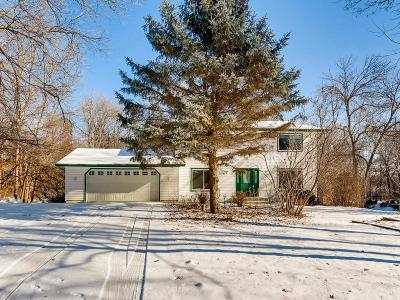 Eden Prairie Single Family Home For Sale: 9331 Cedar Forest Road