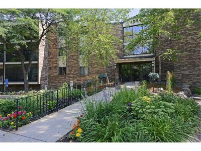 Minnetonka Condo/Townhouse For Sale: 10441 Greenbrier Road #302