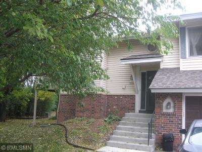 Burnsville Condo/Townhouse For Sale: 908 Evergreen Drive