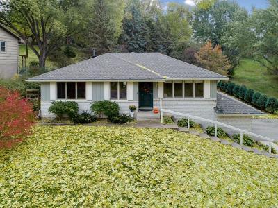 Burnsville Single Family Home For Sale: 921 Aspen Drive