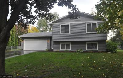Wayzata, Plymouth Single Family Home Contingent: 2820 Weston Lane N