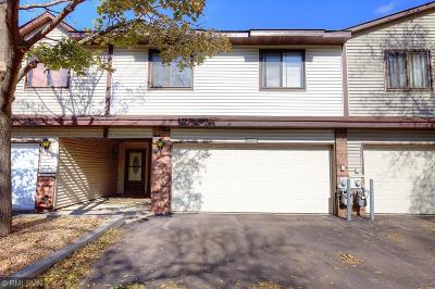 Anoka County, Carver County, Chisago County, Dakota County, Hennepin County, Ramsey County, Sherburne County, Washington County, Wright County Condo/Townhouse For Sale: 8569 Maplebrook Parkway N