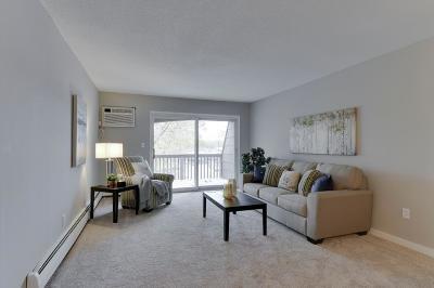 Roseville Condo/Townhouse For Sale: 2800 Hamline Avenue N #343