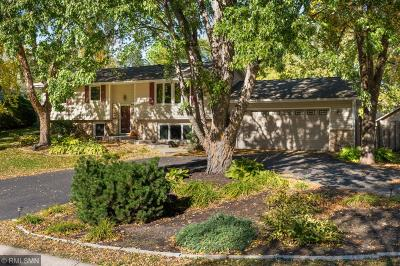 Maple Grove Single Family Home For Sale: 6840 Chesshire Lane N