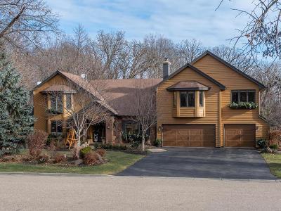 Eden Prairie, Chanhassen, Chaska Single Family Home For Sale: 2925 Autumn Woods Drive