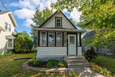 Minneapolis MN Single Family Home For Sale: $250,000