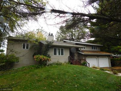 Menomonie Single Family Home For Sale: 2511 Crestwood Drive