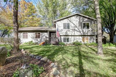 Eden Prairie, Carver, Chaska, Chanhassen Single Family Home For Sale: 9590 Timberwood Road