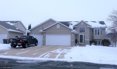 Hutchinson Single Family Home For Sale: 246 Summerset Lane SE