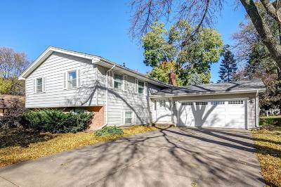 Carver, Eden Prairie, Chanhassen, Chaska Single Family Home For Sale: 11260 Windrow Drive