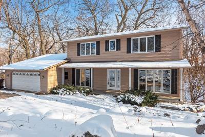 Chanhassen Single Family Home For Sale: 7203 Kiowa Circle