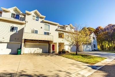 Woodbury Condo/Townhouse For Sale: 631 Woodduck Drive #J
