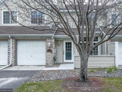 Burnsville Condo/Townhouse For Sale: 15309 Greenhaven Lane #105