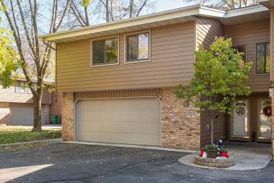 Eden Prairie, Carver, Chaska, Chanhassen Condo/Townhouse For Sale: 8365 Mitchell Road